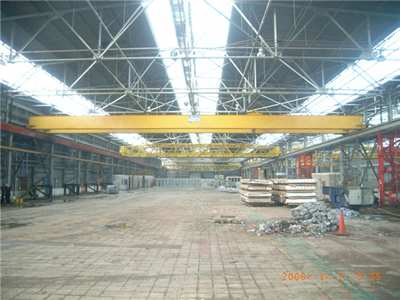 30 meter wide gantry crane