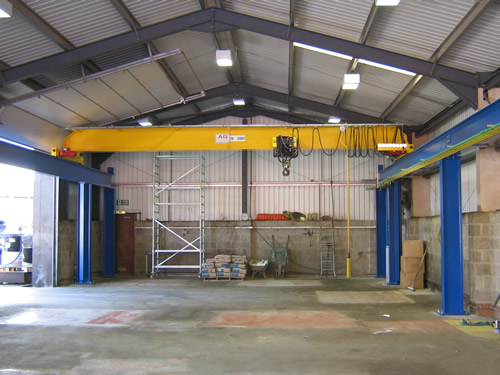 Overhead cranes manufacturers : Overhead crane manufacturers uk based new and used gantry